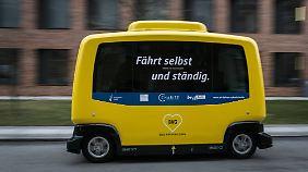 Test ohne Fahrer: Autonome Busse umrunden die Berliner Charité