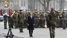 Neuer Traditionserlass der Bundeswehr: Von der Leyen benennt Kaserne nach gefallenem Soldaten um