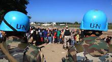 Etat für UN-Friedensmissionen: Blauhelme: USA wollen weniger zahlen