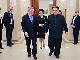 """Entspannte Stimmung beim Diktator: Bach berichtet, das Gespräch mit Kim sei """"offen und fruchtbar"""" gewesen."""