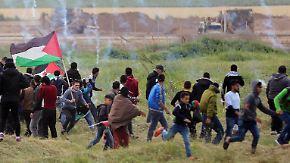 Blutigste Gaza-Proteste seit Jahren: 16 Palästinenser bei Zusammenstößen mit israelischer Armee getötet