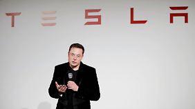 Tesla-Aktie bricht ein: Musks Aprilscherz geht nach hinten los