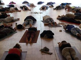 Auch das gehört zu einer Yoga-Session: die Tiefenentspannung zum Abschluss.