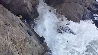 Kaum zu glauben, aber wahr: Autofahrer überlebt Sturz von 50-Meter-Klippe