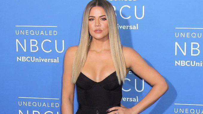Khloé Kardashian hat eine Tochter zur Welt gebracht.