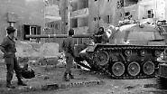 """Die USA unterstützen Israel daraufhin massiv und schicken ihnen in Großraumflugzeugen täglich tausend Tonnen Kriegsmaterial. Diese Luftbrücke habe """"zweifellos dazu beigetragen, dass unser Sieg möglich wurde"""", sagt Golda Meir später."""
