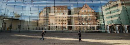 Immobilienfassade bröckelt: Zinsen werden zum Bumerang