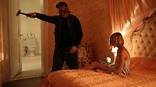Auftragskiller Joe (Joaquin Phoenix) will die junge Nina (Ekaterina Samsonov) aus den Fängen von Sex-Händlern befreien.