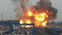 Nach einer Explosion brennt es auf dem Gelände des Chemiekonzerns BASF.