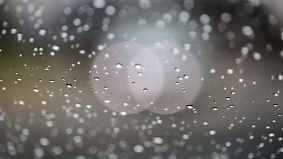 Zweigeteilte Wetterlage: Regenwolken richten sich im Norden ein