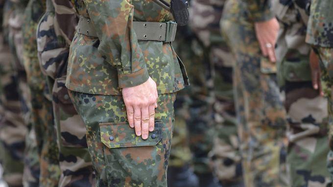 Rechtsextremes Netzwerk in der Bundeswehr? Derzeit geben die Indizien im Fall Franco A. diese erste These offenbar nicht her.