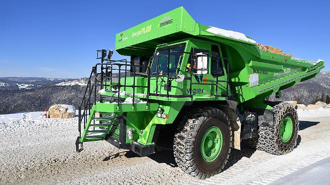 Der E-Dumper wiegt 58 Tonnen.