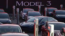 Erwartungen trotzdem übertroffen: Tesla meldet Rekordverluste