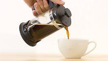 Guten Morgen! Erstmal einen Kaffee brauen. Flachwitze helfen tatsächlich beim Russisch lernen.
