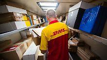 Der Börsen-Tag: Paketgewinn bricht ein - Post will Preise erhöhen