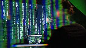 Netzagentur entscheidet und warnt: Kunden müssen Hackerschäden nicht zahlen