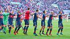"""""""Wir haben in der Kabine bei guter Musik angestoßen."""" (Bayern-Trainer Jupp Heynckes zu den Feierlichkeiten der Bayern nach dem 28. Meistertitel)"""