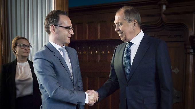 Maas (li.) bereitet mit Lawrow  (re.) auch einen Besuch der Bundeskanzlerin vor.