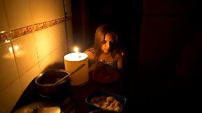 Massenflucht aus Venezuela: Stromausfälle zermürben Bevölkerung