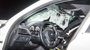 Zwei Attacken auf der A7: Steinewerfer verletzt Autofahrerin schwer