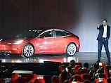 Skepsis bei den Anlegern: Elon Musk kündigt Konzernumbau an