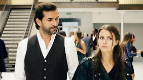 Jack sieht Juliette und ist sofort in sie verliebt. Bei ihr dauert es etwas.