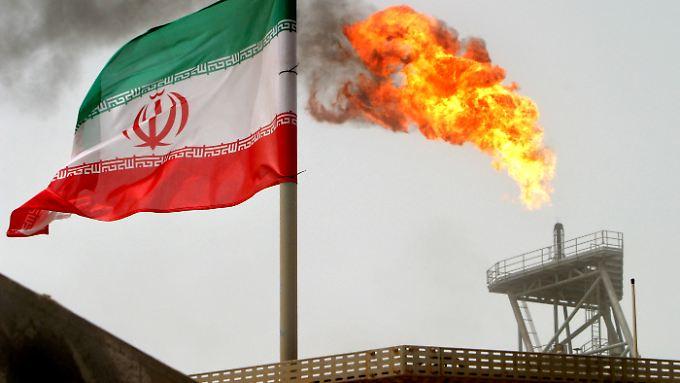 Ein britisches Unternehmen und der Iran schließen einen Vertrag zur Ölförderung.