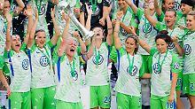 DFB-Pokal-Triumph gegen Bayern: Wolfsburgs Frauen leben ihren Triple-Traum