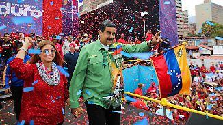 Wahl in Venezuela: Maduro tanzt vor den Hungernden