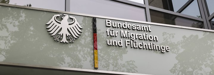 Manipulierte Asylbescheide: Bamf überprüft weitere Außenstellen