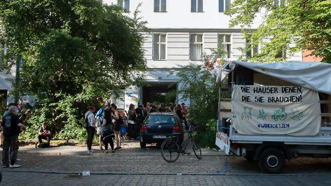 Eines der besetzten Objekte in der Reichenberger Straße in Berlin.