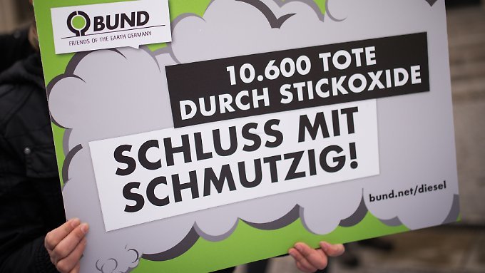 Nicht nur bei VW, auch bei Daimler und BMW sorgt laut Ermittlern illegale Schummelsoftware für überhöhte Stickoxid-Werte.