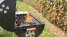 Heißer Grill in Keller geräumt: Feuerwehr rettet Familie vor giftigem Gas