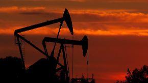 Iran-Deal, Opec und eine Ansage: Warum der Ölpreis Achterbahn fährt