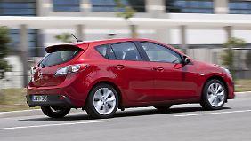 Mit 4,46 Metern Länge ragt der Mazda3 über das normale Kompaktmaß hinaus.