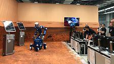 Roboter, Algen und Unterwäsche: Womit Gerst auf der ISS experimentiert