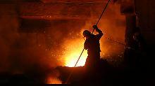 Um seine Dominanz auf dem Stahlmarkt zu verteidigen, expandiert China immer mehr ins Ausland.