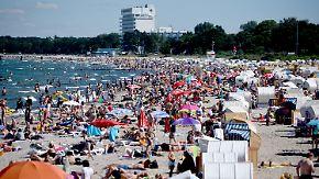 Andrang in Hotels und Restaurants: Deutsches Gastgewerbe feiert