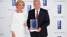 Für eine freie Gesellschaft: Gauck mit Reinhard-Mohn-Preis geehrt