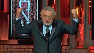 "Stehende Ovationen: DeNiro: ""Fuck Trump!"""