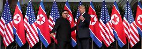 """Gipfel beginnt mit Handschlag: Trump lobt """"exzellentes Verhältnis"""" zu Kim"""
