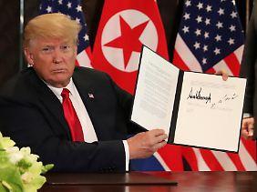 In dem Dokument sicherte Donald Trump Nordkorea Sicherheitsgarantien zu.
