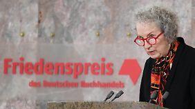 Im vergangenen Jahr erhielt die kanadische Autorin Margaret Atwood die renommierte Auszeichnung des Deutschen Buchhandels.