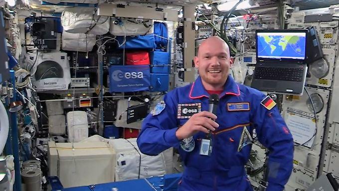 """""""Selbst das Schweben klappt"""" auf Anhieb: Astro-Alex berichtet aus den Weiten des Alls"""