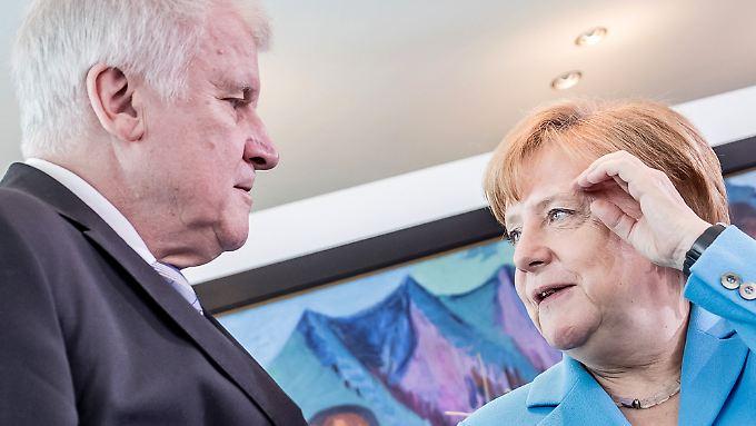 Heute Abend treffen Seehofer und Merkel sich, um den Streit auszuräumen.