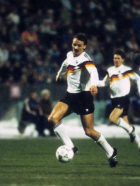 """Jürgen Kohler. Spitzname """"Der Kokser"""" - war immer ein knallharter Manndecker."""