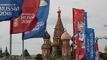 Russland hofft auf Geldsegen: Bringt die Fußball-WM den erhofften Kick?
