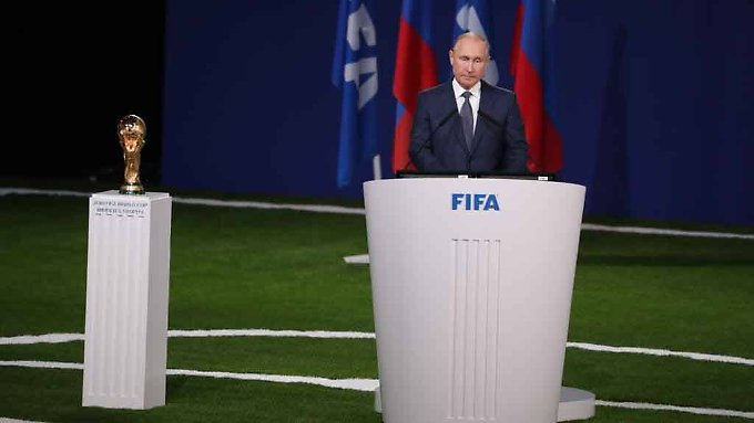 Kreml-Chef Wladimir Putin will mit der Ausrichtung der Fußball-WM die russischen Weltmachtambitionen unterstreichen.