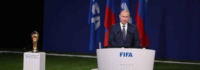 Russlands Präsident Wladimir Putin will mit der Ausrichtung der Fußball-WM die russischen Weltmachtambitionen unterstreichen.