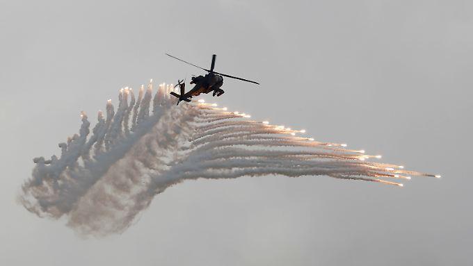 Die Allianz griff wohl auch mit Apache-Helikoptern Hudaida an (Archivbild, es gibt keine aktuellen Fotos aus dem Kriegsgebiet).